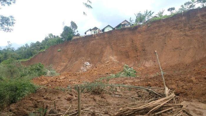 Pemkab Garut Cari Lokasi Aman, Siapkan Rp 8 Miliar untuk Relokasi Korban Tanah Longsor