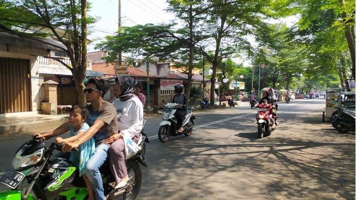 PSBB Proporsional di Palabuhanratu, Banyak Warga Keluar Rumah Tanpa Masker dan Tidak Jaga Jarak