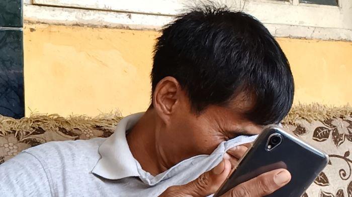 Tangis Ayah TKW di Indramayu yang Meninggal di Cina Pecah, Ini Hal yang Tak Bisa Dilupakan