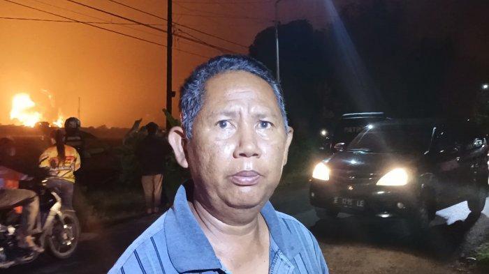 Tarsono (50), warga Desa Sukaurip, Kecamatan Balongan, Kabupaten Indramayu, Senin (29/3/2021).