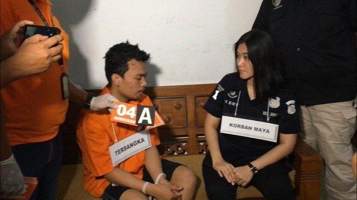 Warga Emosi saat Haris Simamora Gelar Rekonstruksi Pembunuhan Satu Keluarga di Bekasi