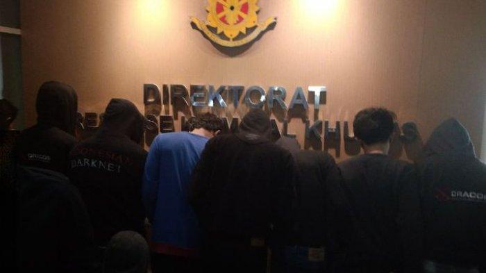 Tamu Hotel Dicurigai, Polisi Tangkap Sindikat Pembobol Kartu Kredit di Bandung