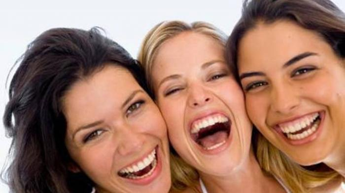 Yuk Tertawa, Ternyata Tertawa Bisa Tingkatkan Daya Tahan Tubuh Alami Saat Pandemi, Ini Penjelasannya