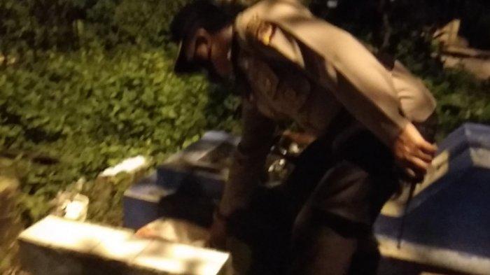Terungkap Modus Baru Penjualan Miras di Kota Tasikmalaya, Transaksi Dilakukan di Kuburan