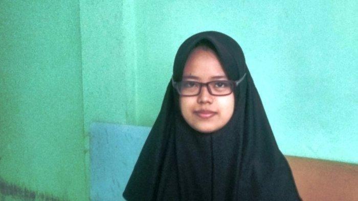 Anak Buruh Bangunan asal Yogyakarta ini Tembus Kuliah di UGM Tanpa Tes dan Dapat Biaya Kuliah Gratis