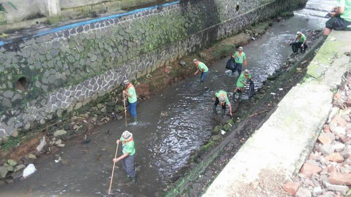 Pemkot Cimahi Libatkan Tim Kecebong untuk Minimalisasi Pendangkalan Sungai