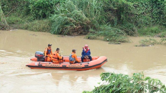 2 Anak Terbawa Arus Sungai Citepus Kota Bandung, Seorang Sudah Ditemukan