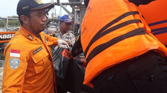 Tim SAR Gabungan Berhasil Temukan Nelayan yang Terjatuh di Perairan Cirebon