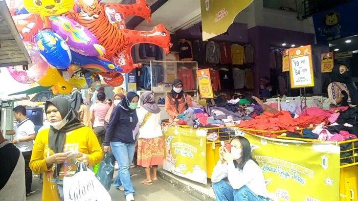 Pusat Perbelanjaan di Kota Sukabumi Dipadati Pengunjung, Banyak yang Langgar Prokes, Tak Ada Petugas