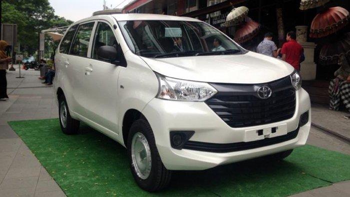 Varian termurah Avanza disebut Toyota Transmover.