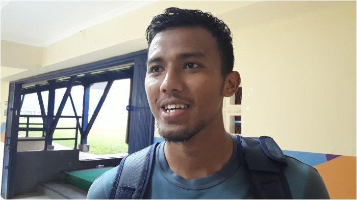 Kiper Persib Bandung Teja Percaya Diri dengan Pertahanan Skuatnya, Jelang Melawan Persela Lamongan