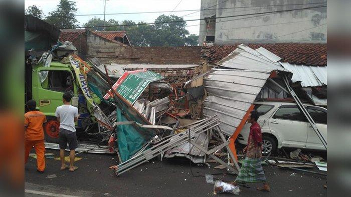 Kronologi Truk Tabrak Empat Rumah dan Dua Mobil di Gunungjati Cirebon, Ini Penyebabnya