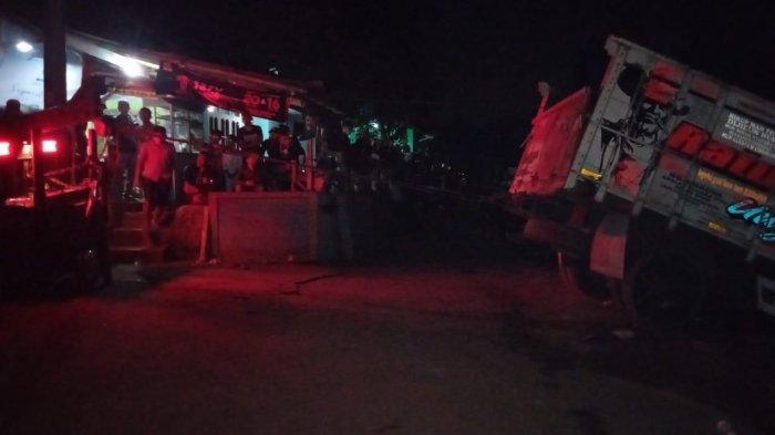 Foto-foto Kecelakaan Maut di Garut, Truk Tabrak Madrasah Tewaskan Anak-anak yang Sedang Mengaji