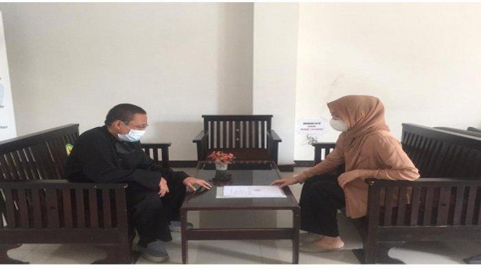 Foto bersama wakasek kesiswaan SMAN 26 Bandung sebagai mitra