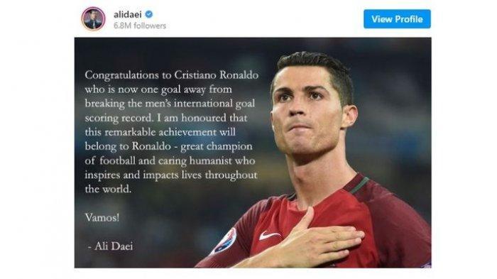Ucapan selamat Ali Daei kepada Cristiano Ronaldo di Instagram pribadi.