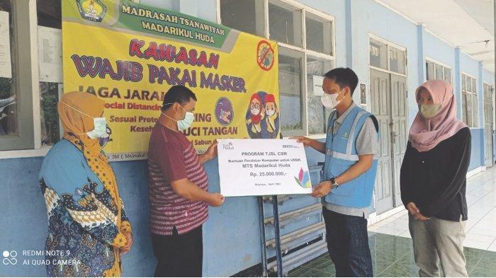 Peduli Pendidikan dan Kesejahteraan Anak,  PLN Serahkan Bantuan Melalui CSR dan YBM
