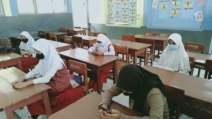 Meski Masuk Sekolah Langsung Ujian, Murid Kelas VI SD di Kota Tasik Senang Bisa Sekolah Lagi
