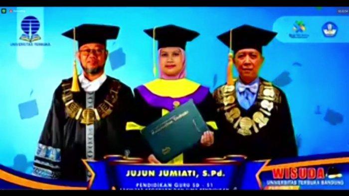SEDANG BERLANGSUNG Live Wisuda Universitas Terbuka Bandung, Bangga Bersama UT