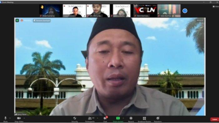 Tim KKN Tematik UPI Dampingi Literasi Media Digital Bagi Guru, Siswa dan Aparatur Desa
