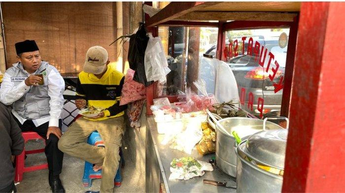 Wagub Jabar Ajak Sarapan Petugas Kebersihan di Bogor