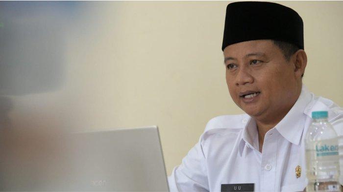 Wakil Gubernur (Wagub) Jawa Barat (Jabar) Uu Ruzhanul Ulum saat meresmikan Petani Milenial Jamur Kayu via konferensi video dari Hotel Panorama, Kabupaten Bandung Barat, Selasa (28/9/2021).