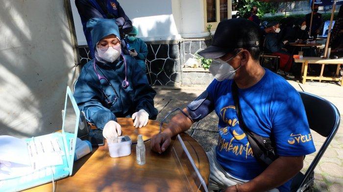 Vaksin Covid-19 Bikin Pasien Lebih Cepat Sembuh, NasDem Jabar Sasar 30 Ribu Orang untuk Divaksin