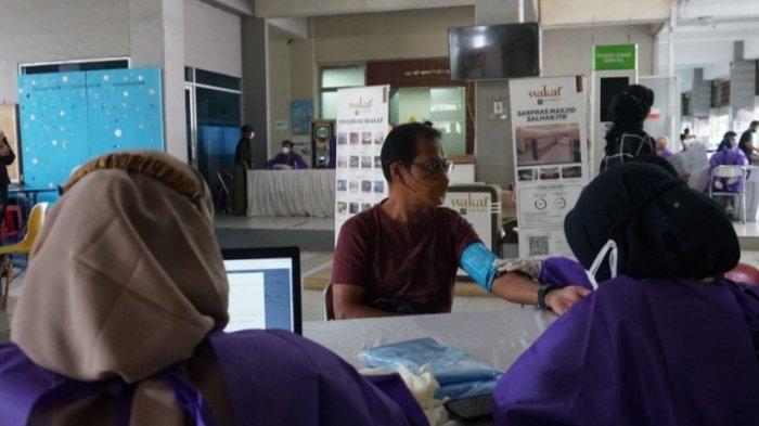 Percepat Kekebalan Kelompok, Vaksinasi Covid-19 di Masjd Salman ITB Jangkau Semua Lapisan Masyarakat