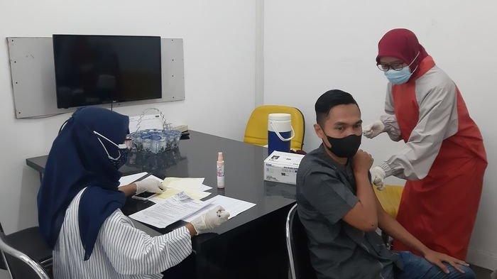 Setelah Hadirkan Masker Antivirus, Shafira Group Menggelar Vaksinasi untuk Karyawan dan Masyarakat