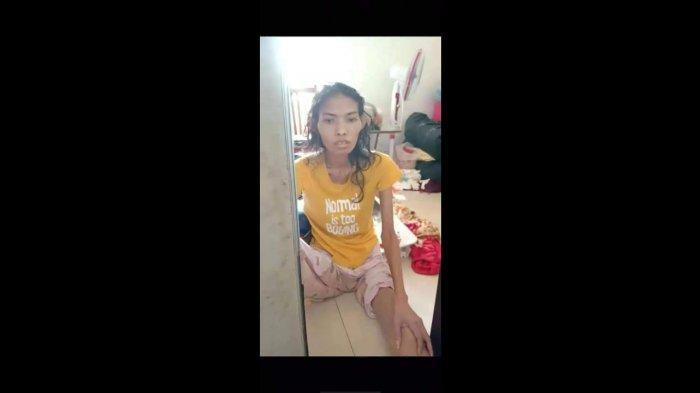 Verawati (36) warga Desa/Kecamatan Widasari, Kabupaten Indramayu saat sakit.