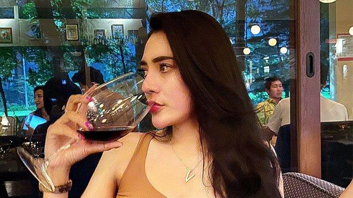 Pesona Penyanyi Cantik Vernita Syabilla, Intip Foto-foto dan Video saat Pesta Ulang Tahunnya