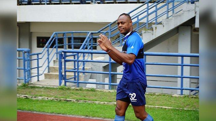 Berita Persib, Victor Igbonefo Kecewa Jika Liga 1 2020 Tak Jadi Digelar, Sudah Lakukan Persiapan