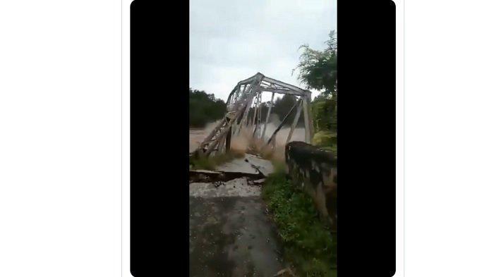 Video Banjir Bandang Hebat di NTT, Detik-detik Jembatan Kambaniru Ambruk Terbawa Arus, Warga Teriak