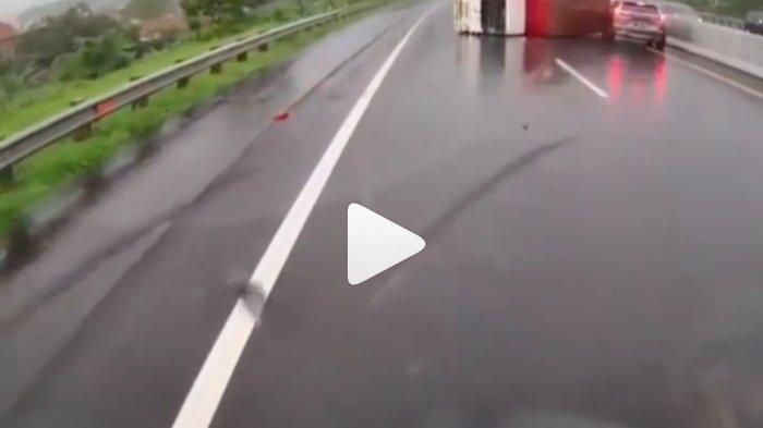 Video Detik-detik Kecelakaan Maut yang Menewaskan Chacha Sherly, Kecelakaan Beruntun Terbentur Truk