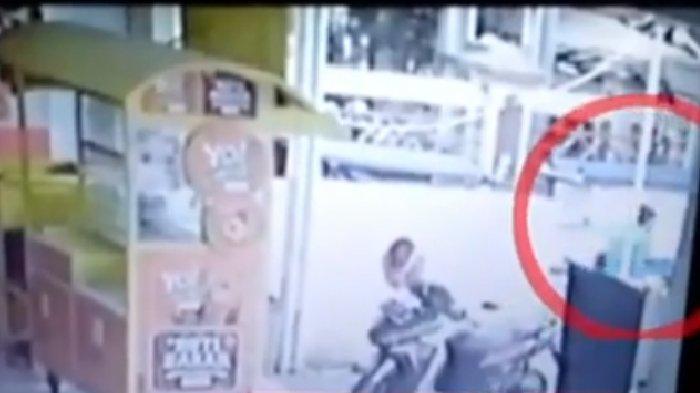 video-viral-bocah-tk-di-tasikmalaya-diculik-pria-misterius.jpg