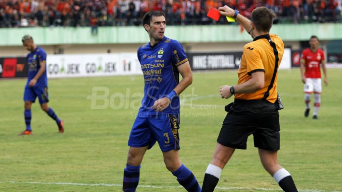 Ini Wasit yang Pimpim Laga Bhayangkara FC vs Persib, Musim Lalu Bikin Mario Gomez dan Pemain Murka