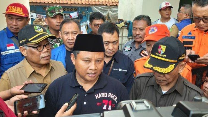 Wagub Jabar Minta Bupati Bandung Bikin Sekolah Darurat di Lokasi Banjir di Dayeuhkolot