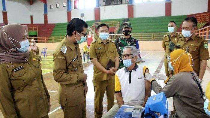 Vaksinasi Untuk Lansia dan Pra Lansia Digelar Massal di GOR Gotong Royong