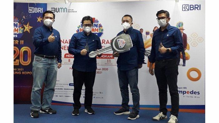 Sukana Nasabah BRI Unit Caringin Bandung Kopo, Raih Hadiah Grand Prize Suzuki Ertiga