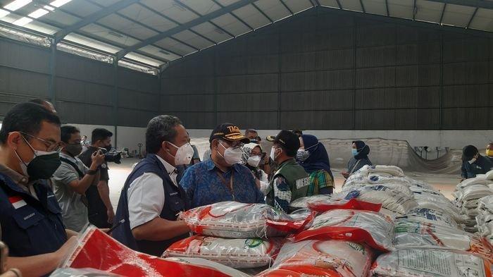 Sudah Dilaunching, 3,8 Juta KPM di Jawa Barat Bakal Menerima Bantuan Sosial Beras 10 Kilogram