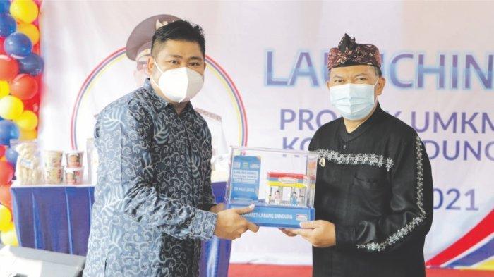 Wali Kota Bandung Oded M Danial. Oded sangat berterima kasih kepada Indomaret yang bersedia menampung produk UMKM Kota Bandung.