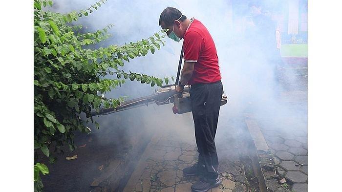 DBD di Kota Cimahi Mewabah, Wali Kota Turun Tangan Melakukan Fogging