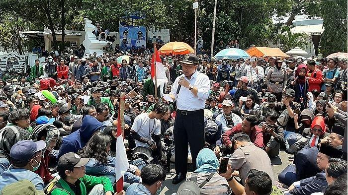 Wali Kota & Ketua DPRD Kota Cirebon Janji Bawa Aspirasi Aliansi Mahasiswa Ciayumajakuning ke DPR RI