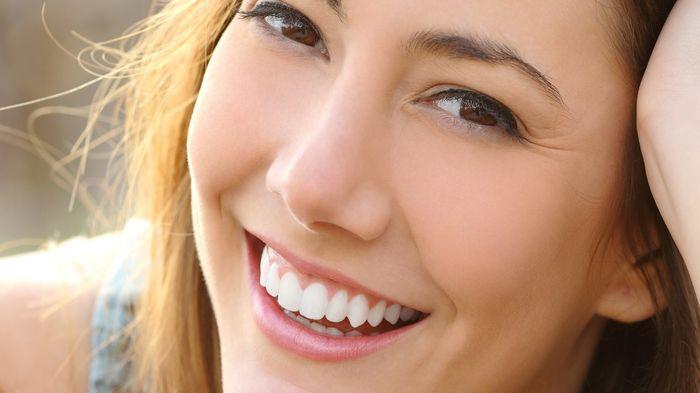 11 Cara Efektif Menjaga Gigi Tetap Sehat, Dari Flossing hingga Minum Air Lebih Banyak