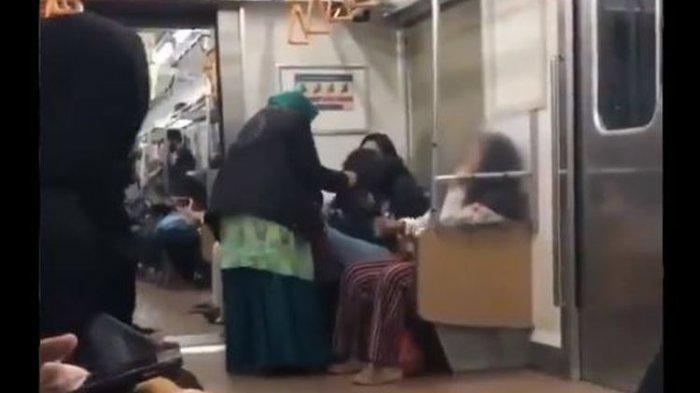 Kronologi Video Viral Wanita Tua Jambak dan Tampar Penumpang KRL, Berteriak 'Saya Ini Orangtua'