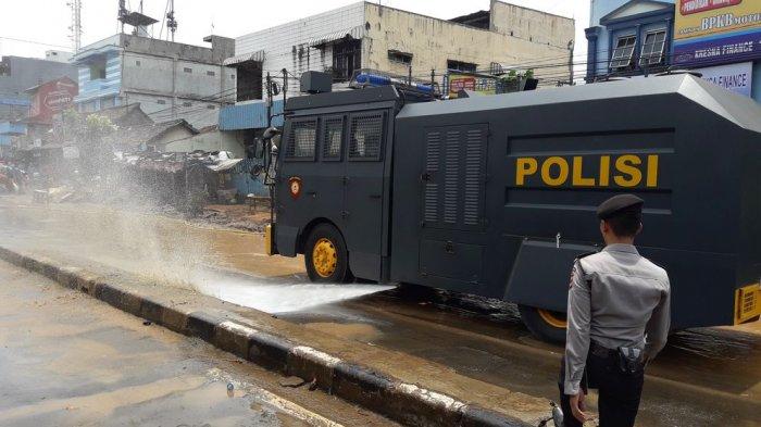 Banjir di Jatihandap, Kendaraan Water Canon Dikerahkan untuk Bersihkan Material Lumpur
