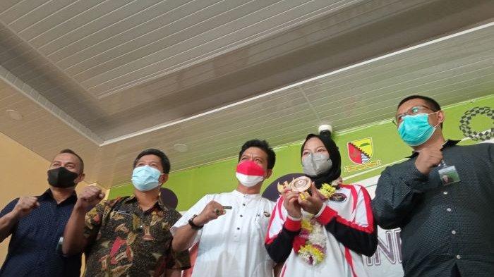 Windy Cantika Aisah Disambut Bupati Bandung di Si Jalak Harupat, Tabungannya Pun Bertambah