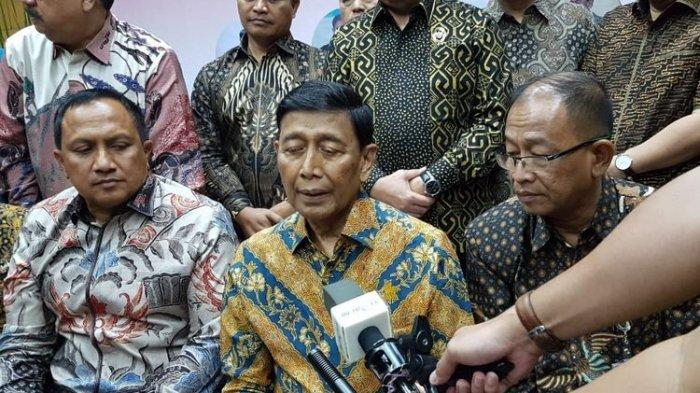 Wiranto Mengaku 'Bolos' dari Rumah Sakit untuk Silaturahmi dengan Pegawai Kemenko Polhukam