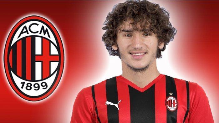 Pemain Baru AC Milan Yacine Zinedine Adli Buka Suara: Saya Tidak Kecewa, Tahun Depan Lebih Siap!