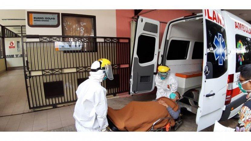 simulasi-penanganan-pasien-dalam-status-pengawasan-virus-corona-di-rshs-bandung.jpg