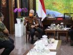 1-gubernur-jateng-ganjar-pranowo-didapuk-jadi-depan-pembina-esport-indonesia-jateng.jpg